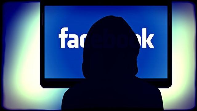 fake users en facebook